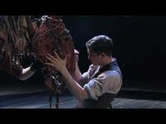 War Horse premiered at the National Theatre in October 2007 and ran on and off until when it transferred to the West End's New London Theatre Michael Morpurgo, Theatre Plays, War Film, London Theatre, New London, Stage Play, National Theatre, Kit Harington, Art Themes
