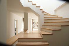 Modernes Haus In Shanghai Mit Tollen Kleinen Indoor Garten - Badezimmer Überprüfen Sie mehr http://hausmodelle.com/9971/modernes-haus-in-shanghai-mit-tollen-kleinen-indoor-garten/