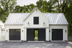 garage ideas Why you need a detached garage? Its also great for the overall house look. You have a neat standalone house without garage as its tails (or wings). Metal Building Homes, Building A Shed, Building Ideas, Metal Homes, Building Plans, Building Design, Metal Buildings, Shop Buildings, Plan Garage