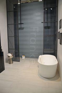 Keraben Zeigt Das Neue Baddesign Wandfliesenserie Chic Fliesen #keraben  #gestalten #einrichten #idee #baddesign #planen #badezimmer #bathinterior  ...