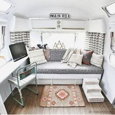 Camper Interior Remodel DIY Travel Trailers – Just about all travel trailers utilize wood veneer. This will go quite a way to giving your family camper a whole new appearance. It's well-known that RVs aren't known for their stylish interiors. Camper Interior Design, Campervan Interior, Rv Interior, Interior Ideas, Simple Interior, Vintage Camper Interior, Trailer Interior, Airstream Remodel, Camper Renovation