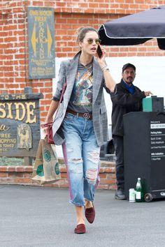 Traper trend: što nose poznate manekenke na ulicama svjetskih gradova? Alessandra Ambrosio, Model Street Style, Kendall, My Style, Celebrities, Street Fashion, Jeans, Attitude, Style Inspiration