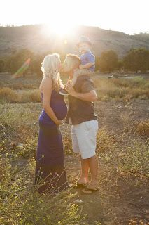 Family maternity picture-- no Erin, I'm not pregnant. :-)