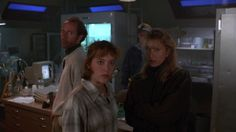 The X-Files: S01E08 - Ice - Dr. Hodge (Xander Berkeley), Agent Dana Scully (Gillian Anderson), & Dr. Denny Murphy (Steve Hytner), & Dr. Nancy Da Silva (Felicity Huffman)
