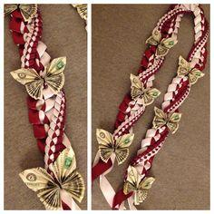 how to make bow tie money lei Ribbon Lei, Diy Ribbon, Ribbon Crafts, Ribbons, Money Origami, Diy Money Lei, Gift Money, Dollar Origami, Creative Money Gifts