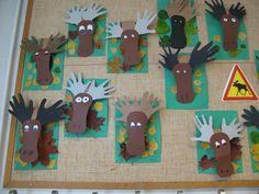 Kuvahaun tulos haulle kuvisideoita syksy Art Plastique, Art Lessons, Advent, Diy And Crafts, Triangle, Presents, Frame, Kids, Inspiration