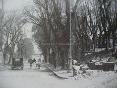 Via di San Gregorio prima dell'allargamento e la ridenominazione in Via dei Trionfi Anno: 1930 'ca