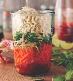 Fast and Healthy Meals in a Jar with Chef Michael Smith (healthy meals for dinner mason jars) Mason Jar Lunch, Mason Jar Meals, Meals In A Jar, Mason Jars, Healthy Dinner Recipes, Soup Recipes, Cooking Recipes, Healthy Meals, Budget Recipes