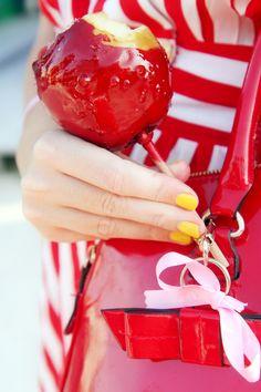 pomme d'amour  http://misssilcrecloset.blogspot.it/2012/10/pomme-damour.html