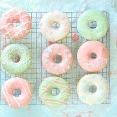 Ich hatte schon davon geschwärmt, meinem kleinen Mini-Donut-Maker (babycakes), den ich mir bei Amazon bestellt hatte, nachdem ich dies...