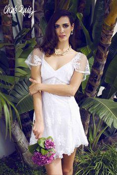 Brilla llena de elegancia y sensualidad en tu gran día con la colección Bride light de Novias by Charo Ruiz  Ref. 226609VESTIDO MANGA CORTO  www.charoruiz.com