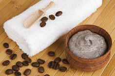 If you don't want to pay for expensive scrubs, try this DIY coconut oil, coffee & sugar scrub recipe for much less! Sugar Scrub Homemade, Sugar Scrub Recipe, Diy Body Scrub, Diy Scrub, Hand Scrub, Coconut Oil Coffee, Coffee Face Scrub, Ingrown Hair, Homemade Beauty