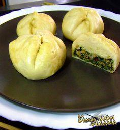 Pan chino relleno de carne de soja y espinacas. #receta #vegana