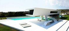 Αυτό το απίστευτο σπίτι βρίσκεται στην Αθήνα -Μοιάζει να αναδύεται από το νερό, σαν ιπτάμενο δελφίνι [εικόνες]