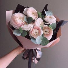Flowers Gift Bouquet Floral Arrangements Flora 67 Ideas For 2019 Bouquet Cadeau, Gift Bouquet, Food Bouquet, Deco Floral, Floral Design, Blue Flowers, Beautiful Flowers, Bunch Of Flowers, Beautiful Beautiful