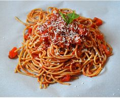 "Whole Wheat Spaghetti with Hide Your Veggies ""Meat"" Sauce"