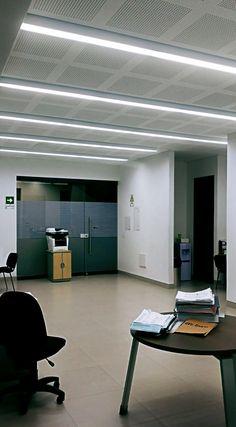 Nuestro proyecto de iluminación para la oficina Contactarnos, Barranquilla - Colombia.  #Iluminación #IluminaciónInterior #Light #Lighting #Lightdesign #Led #Interior #Interiordesign #Arquitectura #Architecture #Oficina #Office #Diseño #Design #Barranquilla #IluminaTusIdeas #Luxycon