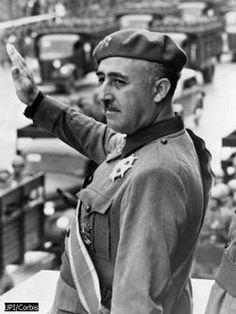 Francisco Franco, el caudillo de España.