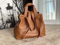 sac-cabas-cuir-graine-camel (19) Tote Bag, Madewell, Camel, Totes, Bags, Fashion, Nice Purses, Italian Leather, Handbags