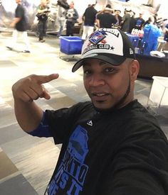 """""""Now I going to celebrate 😊😊😊🎉🎉🎊🎊 so see you later 😜😛"""" Blue Jay Way, Toronto Blue Jays, Baseball, Running, Celebrities, Sports, Play, Twitter, Boys"""