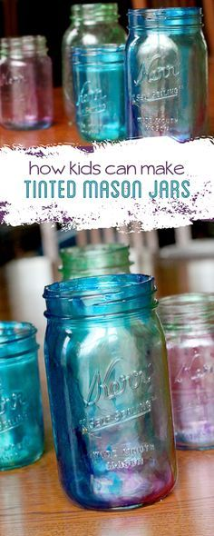 Marbleized tinted Mason jars - Learn how to tint Mason jars - the kids can even do it! Tinted Mason Jars, Mason Jar Diy, Mason Jar Crafts, Tinting Mason Jars Diy, Tinting Glass, Colored Mason Jars, Paint Mason Jars, Dye Mason Jars, Uses For Mason Jars