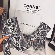 Know you wanna see me snakey snakey snakey 🐍 Crushin' On Our Insane ARIEL Snake Block Heel Boots 🔥👆🏼Tap the pic to shop Snakeskin Boots, Stylish Sunglasses, Bike Style, Block Heel Boots, Cute Boots, Beautiful Shoes, Fashion Outfits, Womens Fashion, Glamour