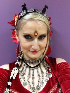 dancer: Magda G-k, Bindi: Tribal Bindi  https://www.facebook.com/tribal.bindi belly dance bindi, Sauron eye