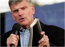 Rev. Graham on ISIS: Christians Crucified, Beheaded, Buried Alive August 18, 2014 - 3:52 PM