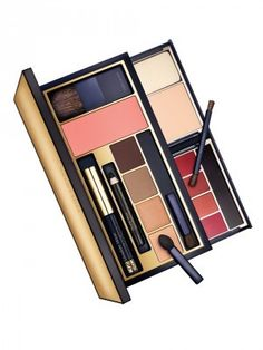 New for spring 2016, the Eye Color Luxuries Set includes six shades of Pure Color Eyeshadow in 79 Summer Linen, 47 Nude Fresco, 52 Sizzling Copper, 33 Ivy Envy, 63 Tempting Mocha and 45 Lavish Mink 88