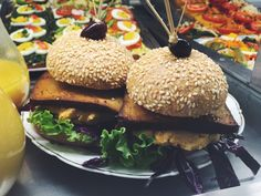 fresh vegan pusta burger Organic Recipes, Ethnic Recipes, Snacks, Hamburger, Vegetarian, Lunch, Vegan, Fresh, Healthy