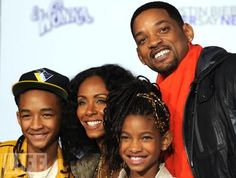 Hot: 11 Times Birthday Boy Will Smith's Family Was Adorable on the Red Carpet Will Smith Age, Will Smith And Family, Beautiful Couple, Black Is Beautiful, Face Swaps, Jada Pinkett Smith, Jaden Smith, Famous Black, Black Families