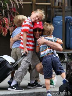 Matthew Bomer & kids. so cute ^^