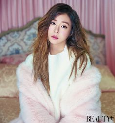 'BEAUTY+' Magazine Features Tiffany for a Photoshoot and Interview Tiffany Girls, Snsd Tiffany, Tiffany Hwang, Girls' Generation Tiffany, Girl's Generation, Asian Woman, Asian Girl, Beauty Magazine, Girl Day