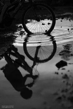 wheel in water in black and white