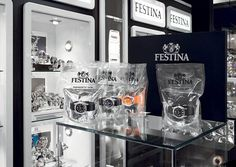 Product : Festina is a leader in watch's sector. The packaging: very simple with just a transparent plastic bag to show the product. The packaging is qualitative and adapted to the product. Technics: This bag can be difficult to manipulate and carry because water is inside. Communication: With this water, the brand communicate easily the idea of the product, waterproof and smart. The product is easily identifiable and the packaging  is innovative like the watch.