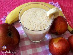 Frullato di pesca e banana Il frullato è un mix di frutta fresca frullata che viene resa cremosa dall'aggiunta del latte oppure del succo, è ottimo come me