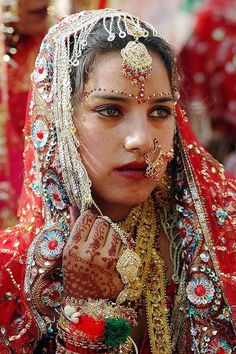 Northern India | Bihar bride.  Photo posted by 'Princess Fiona' on Sulekha