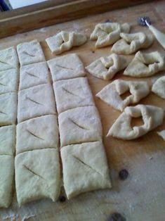 Slovenské fánky (fotorecept) - obrázok 4 Czech Desserts, Donuts, Czech Recipes, Home Baking, Sweet Recipes, Ham, Buffet, Food And Drink, Sweets