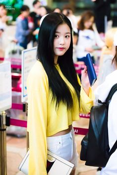 © focus ◈ do not edit Uzzlang Girl, My Baby Girl, Fashion Tag, Daily Fashion, Yu Jin, Woo Young, Japanese Girl Group, Airport Style, Kpop Girls