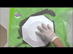 Silvina Buquete - Bienvenidas en HD - Hace un reloj con pasta de cemento… Pasta Piedra, Decoupage, Diy, Ideas Para, Videos, Youtube, See Through, Modeling, Fall Door Hangers