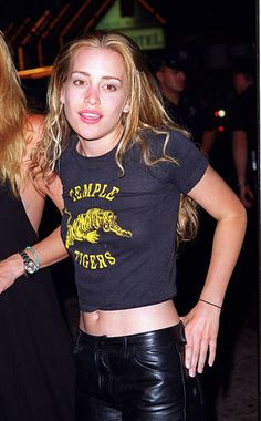 Coyote Ugly, Ugly Outfits, Cute Outfits, 2000s Fashion, Fashion Outfits, Hippie Rock, Piper Perabo, Mellow Yellow, Beautiful Actresses