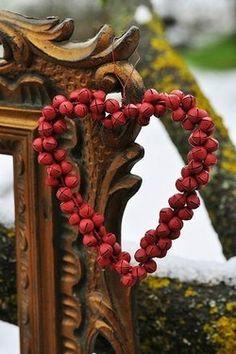 Red jingle wreath