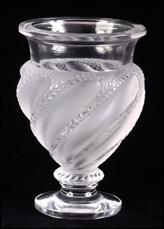 LALIQUE CRYSTAL URN FORM PEDESTAL VASE. : Lot 1242093
