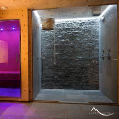 #Alpen #SPA: doccia con getti e acqua gelata, cascata di ghiaccio... shower with sprays and cold water, ice waterfall...