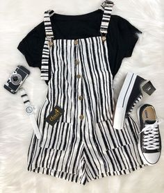 Lilah - Best Picture For outfits casuales For Your Taste You are looking for something, and it is going t - Teenage Outfits, Teen Fashion Outfits, Cute Fashion, Girl Outfits, Fashion Black, Teenage Clothing, Fashion Fashion, High Fashion, Black Aesthetic Fashion