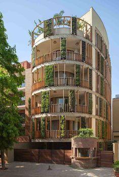 Криволинейное жилое здание в Нью-Дели