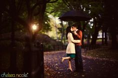 – Rainy engagement session