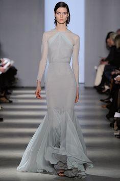 Wes Gordon,  vestidos largos -con toques de Inspiración de Grecia