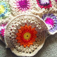 Bolster cushion cover guide/tutorial is up @ babylovebrand.net! :) I {heart} the Sunburst Granny! #etsy #crochet #colorlove