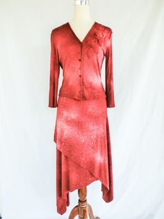 ISABEL DE PEDRO SZ 10 BURGUNDY TOP/KNIT BLOUSE AND ANGLED LAYERED SKIRT  #IsabeldePedro #SkirtSuit